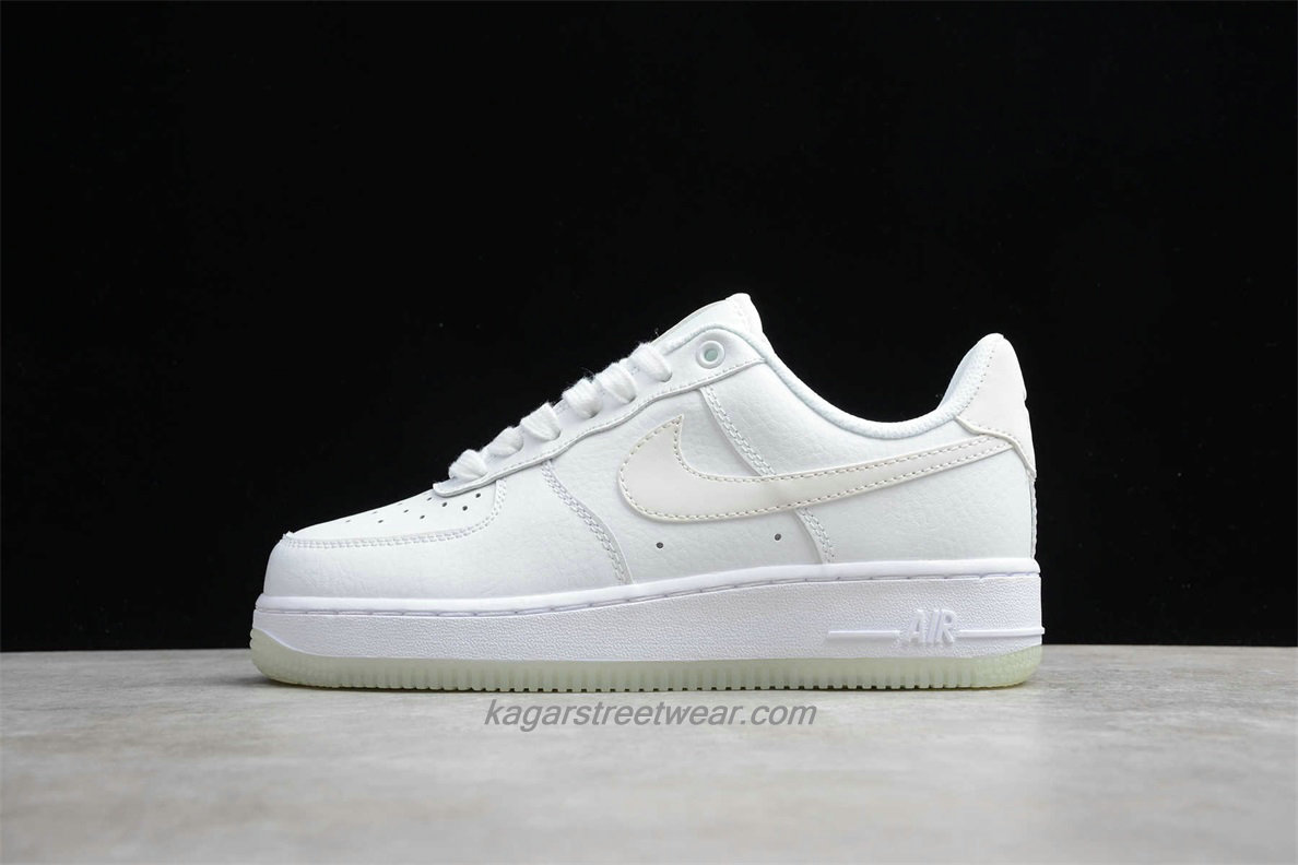 Chaussures Nike Air Force 1 Low 07 ESS AO2131 101 Blanc
