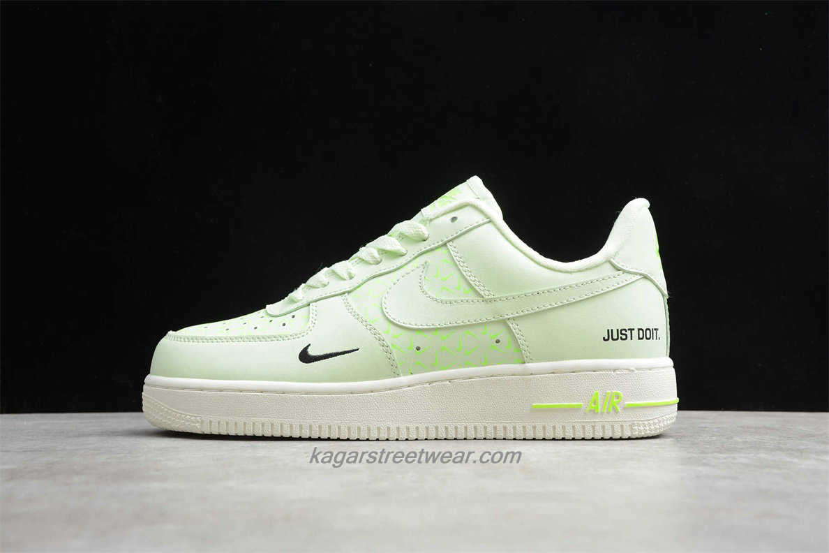 Chaussures Nike Air Force 1 Low CT2541 700 Light Verte